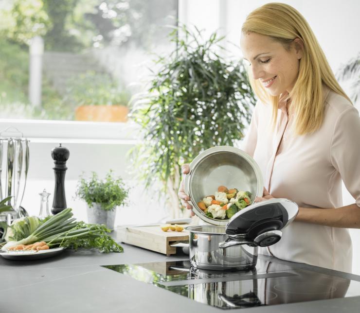Gemüse kochen ohne Zusatz von Wasser – Schau dir an wie's geht und welche Vorteile dir sicher sind!
