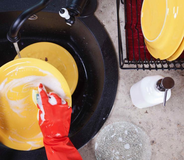 Blitzblank und strahlend sauber – Tipps und Tricks für den täglichen Abwasch