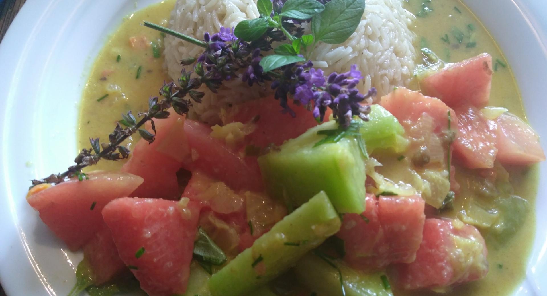 Veganes Melonencurry mit Kokosmilch und Basmatireis