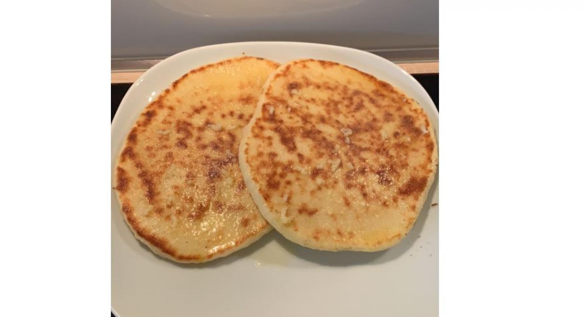 Naan-Brot (mit Knoblauchbutter)