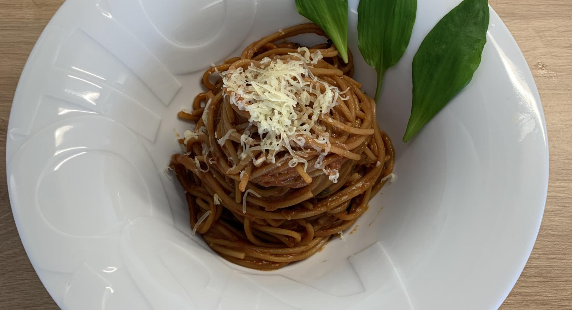 Tomaten-Spaghetti mit Bärlauch