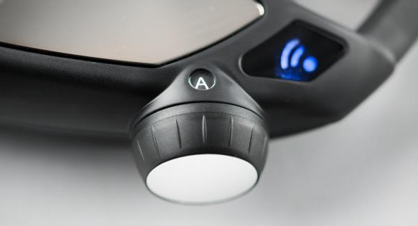 Setze den Audiotherm auf den Visiotherm S und drehe bis das Soft- und das Funk-Symbol erscheinen.Der Navigenio hat nun Funkkontakt und blinkt blau.