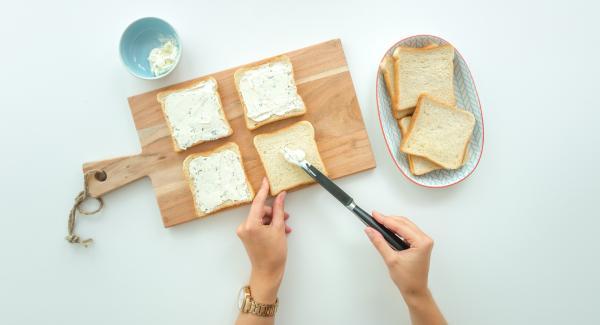 Vier Toastbrotscheiben mit Frischkäse bestreichen, mit je einer Scheibe Käse und Schinken belegen. Kresse, Sprossen oder Salat darüber verteilen. Tomate in dünne Scheiben schneiden und je eine Scheibe darauf legen.