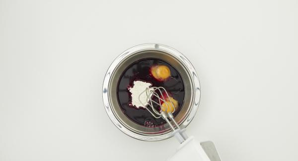 Alle Zutaten zu einem dünnen Teig vermischen und ca. 30 Minuten ruhen lassen.