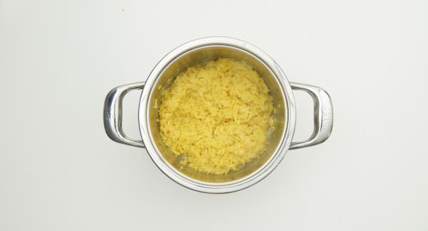 Secuquick abnehmen, Parmesan einrühren und Risotto lauwarm abkühlen lassen.