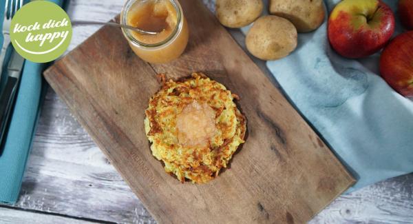 Kartoffelpuffer mit selbstgemachten Apfelmus