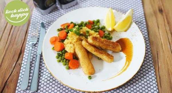 Fischstäbchen mit Kartoffelnbrei und Gemüse