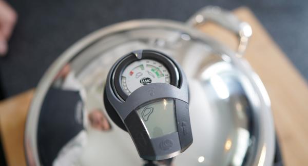 Den Audiotherm einschalten und zweimal auf das Fleischsymbol drehen.