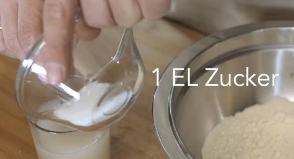 1 TL Zucker dazugeben