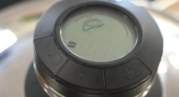 Den Audiotherm auf den Deckel setzen und auf das Fleischsymbol einstellen.