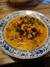 Süßkartoffel-Curry mit Spinat . . scharf